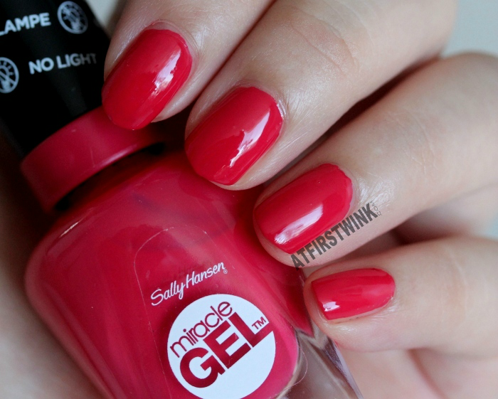 Review: Sally Hansen Miracle Gel nail polishes - Pretty Piggy and ...