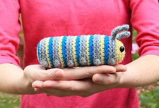 Amigurumi Caterpillar : Ravelry #crochet free pattern amigurumi caterpillar insect