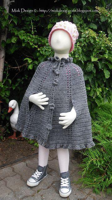 Photo of Cape und Bolero mit Lochmuster – Cape – #Kuenkenschal #Knitting #KukuzenschalS …