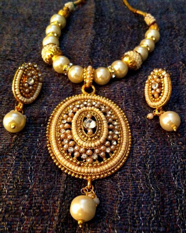 Bridal Jewellery Set line at Mirraw