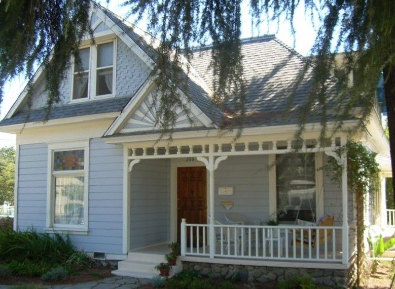 Charming 1892 Victorian House - VRBO
