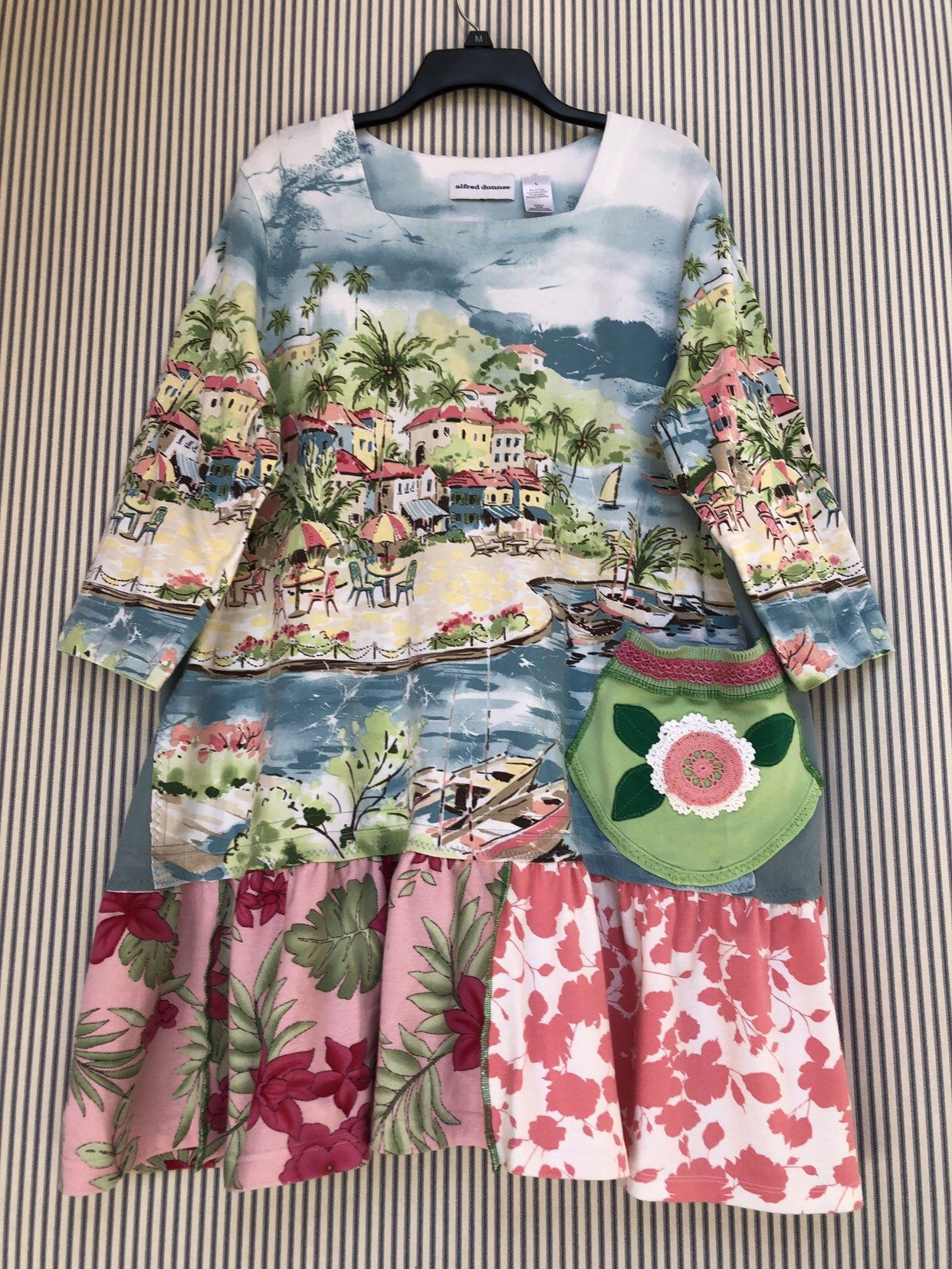 996a56244 Excited to share this item from my #etsy shop: Upcycled Tropical Tunic Top,  Artsy Cityscape Floral Print Art Top, XL #clothing #women