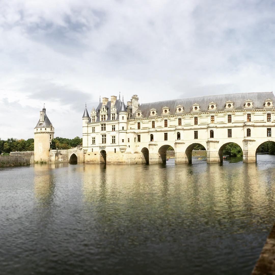 #tbt #france #chateau #castle #river #kayak #europe #natgeo #architecture #canoe #rei #ChâteaudeChenonceau #châteaud #chenonceau by zkelchner