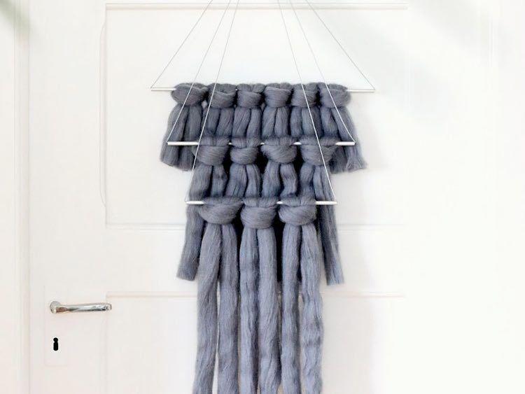 Tutorial fai da te: Come fare una decorazione da appendere con lana XXL via DaWanda.com