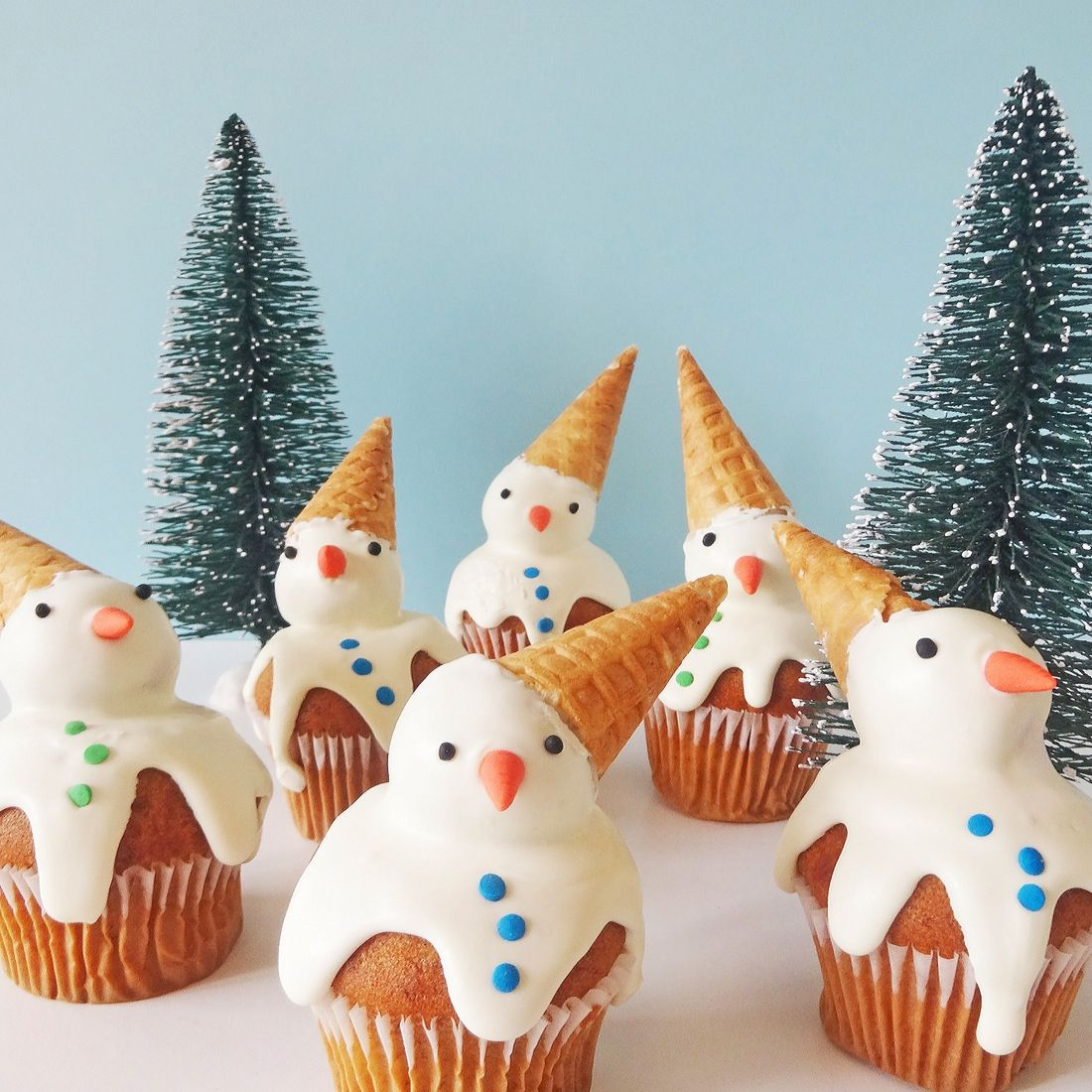 These Adorable Snowmen Cupcakes Will Make You Melt | Recipe | Snowman cupcakes, Christmas ...
