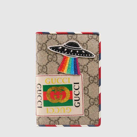 promo code 53237 f299c Gucci Courrier GG Supreme passport case   Yo quiero:   Travel ...