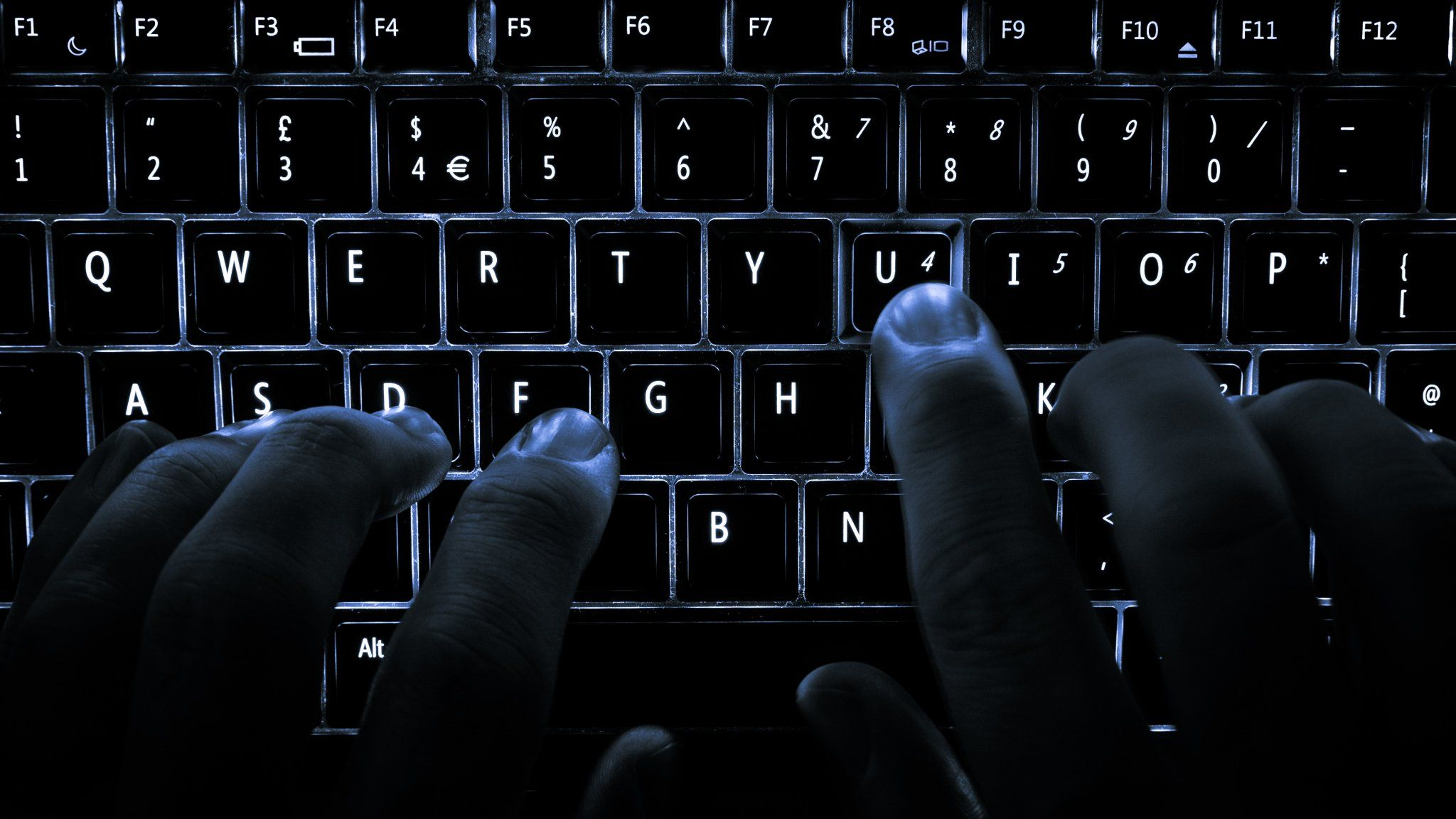 #app #mobile #Hackers appear to have hacked into Oracle's retail division putting customer data at risk  http://pic.twitter.com/JIFAs2Jxd3   App Mobile 4u (@M0bileappDev) August 9 2016