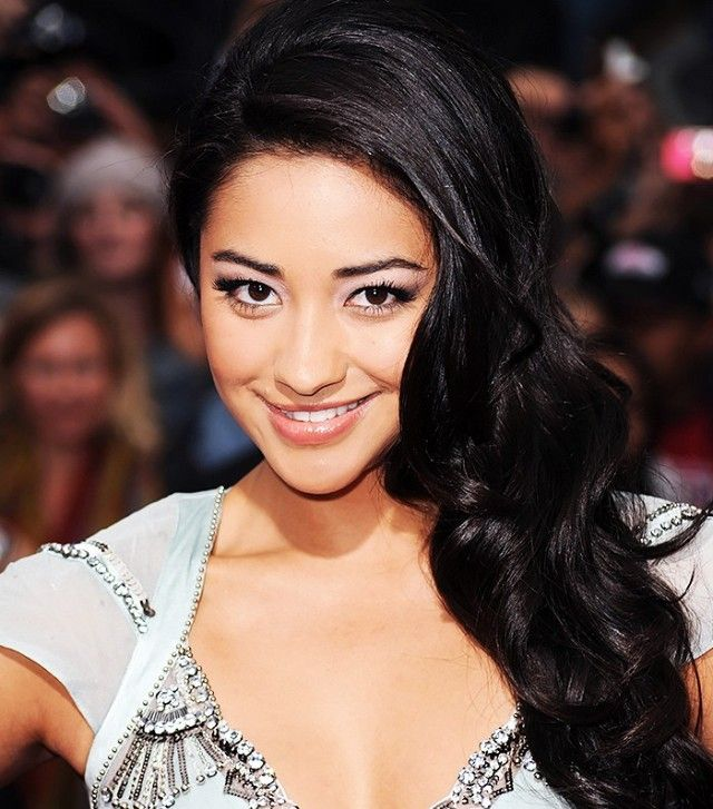 Shay Mitchell's frost-colored lids and glossy lips