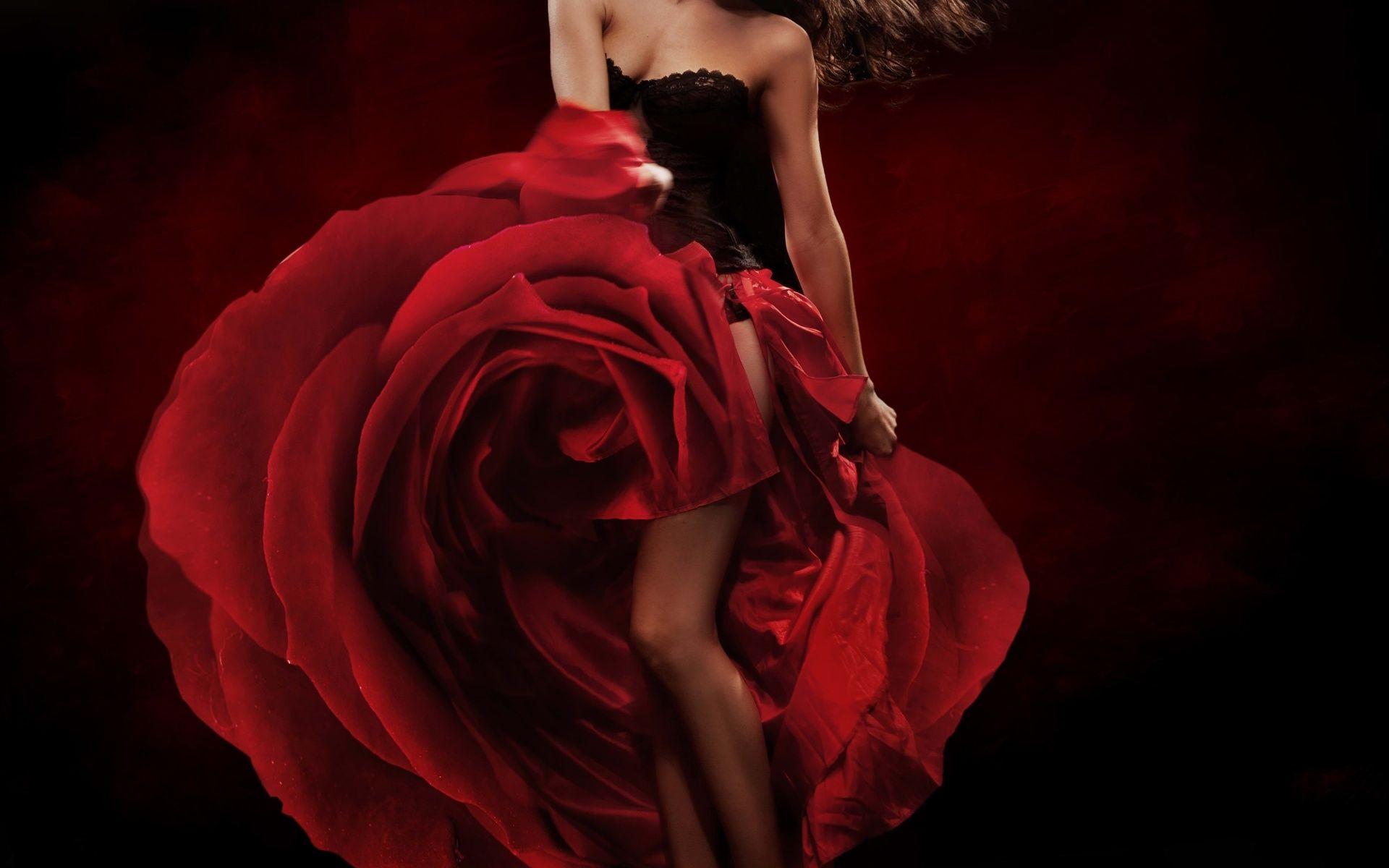 Дама в красивом платье открытку