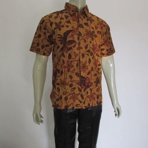baju batik untuk pria model lengan pendek terbaru Model