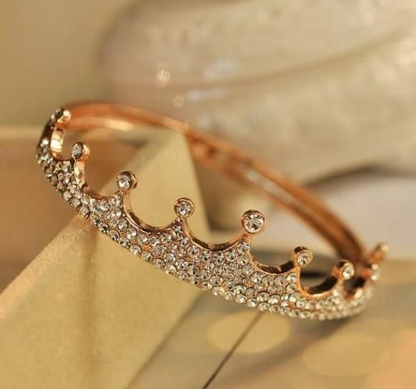 2017 Gold Diamond Wedding Ring Crown Shaped Valentines Day Inspiration