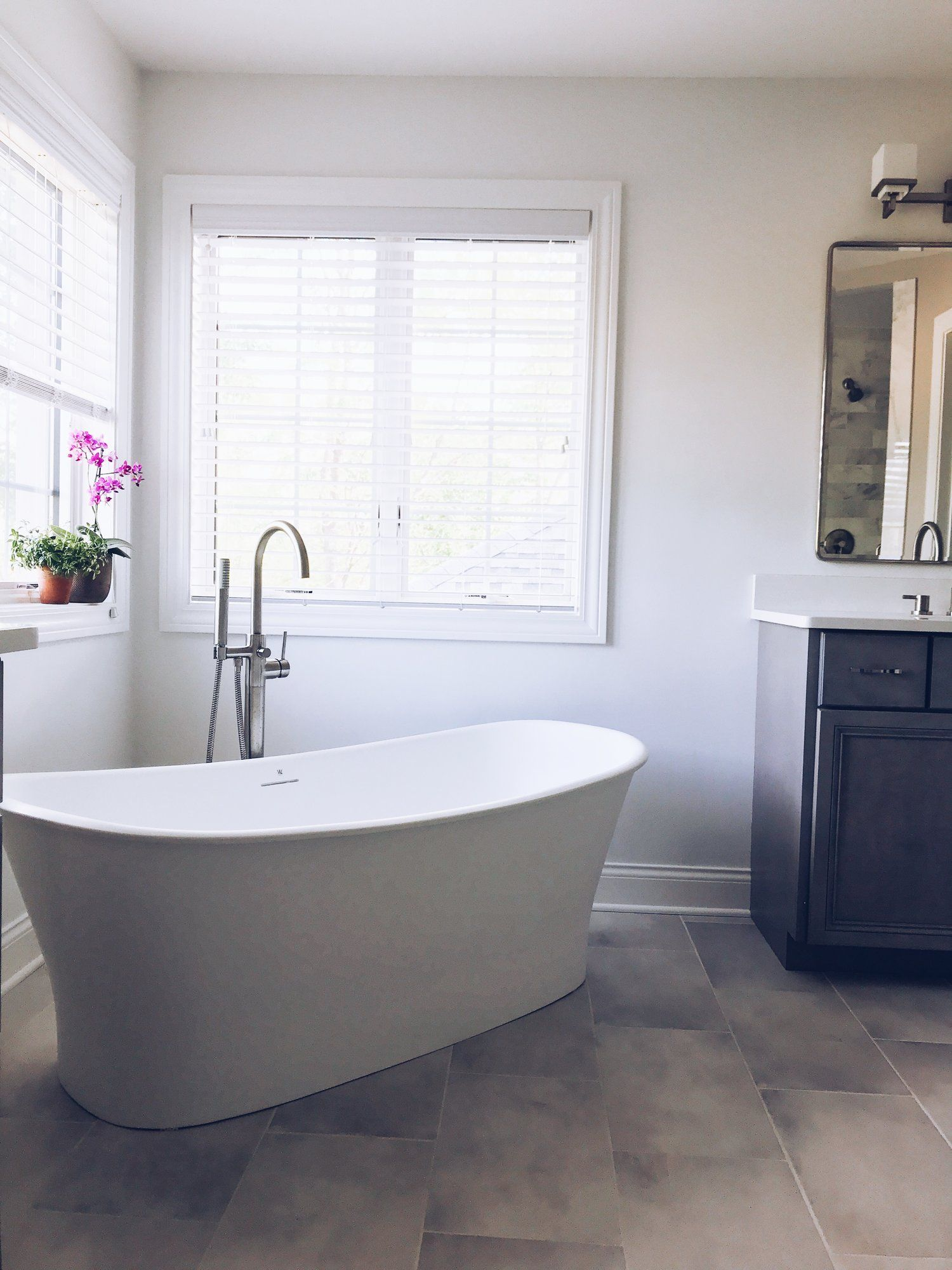 Modern Master Bathroom Ideas First Thyme Mom Modern Master Bathroom Master Bathroom Modern Bathtub