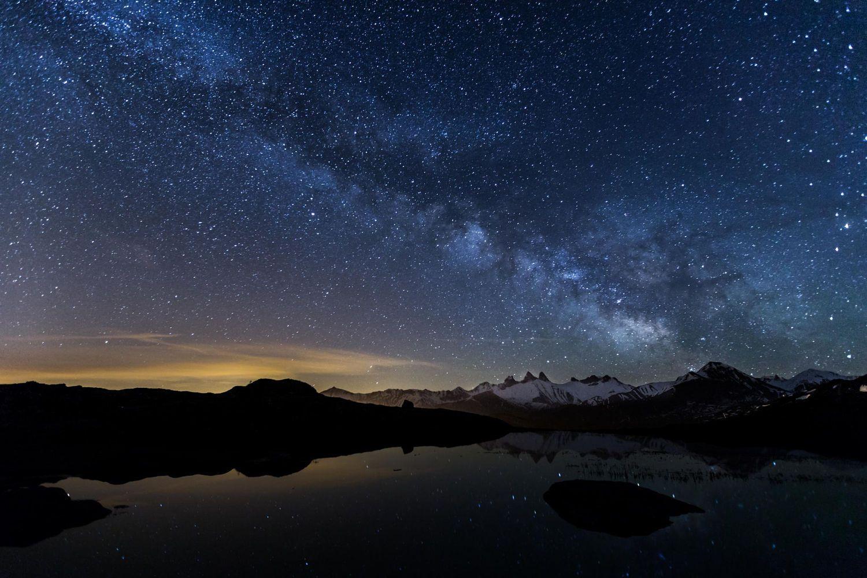 Voie Lactee Au Dessus Des Aiguilles D Arves Ceus Noturnos Hd Sky Imagem De Fundo De Computador