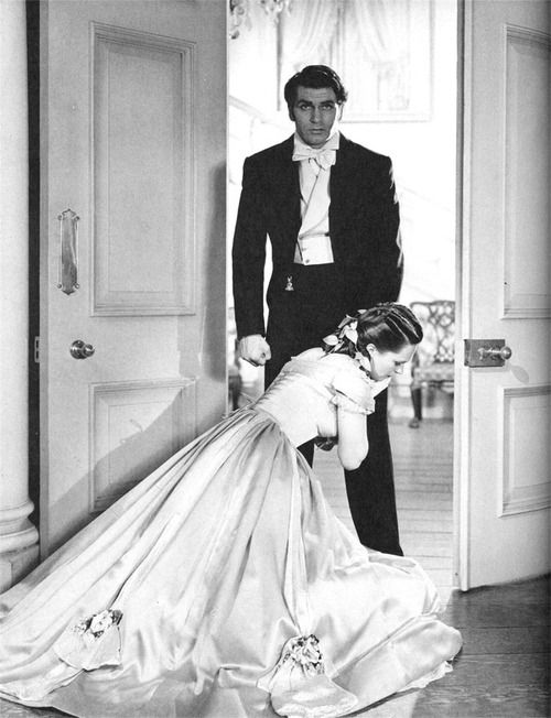 Sir Laurence Olivier And Geraldine Fitzgerald In Wuthering