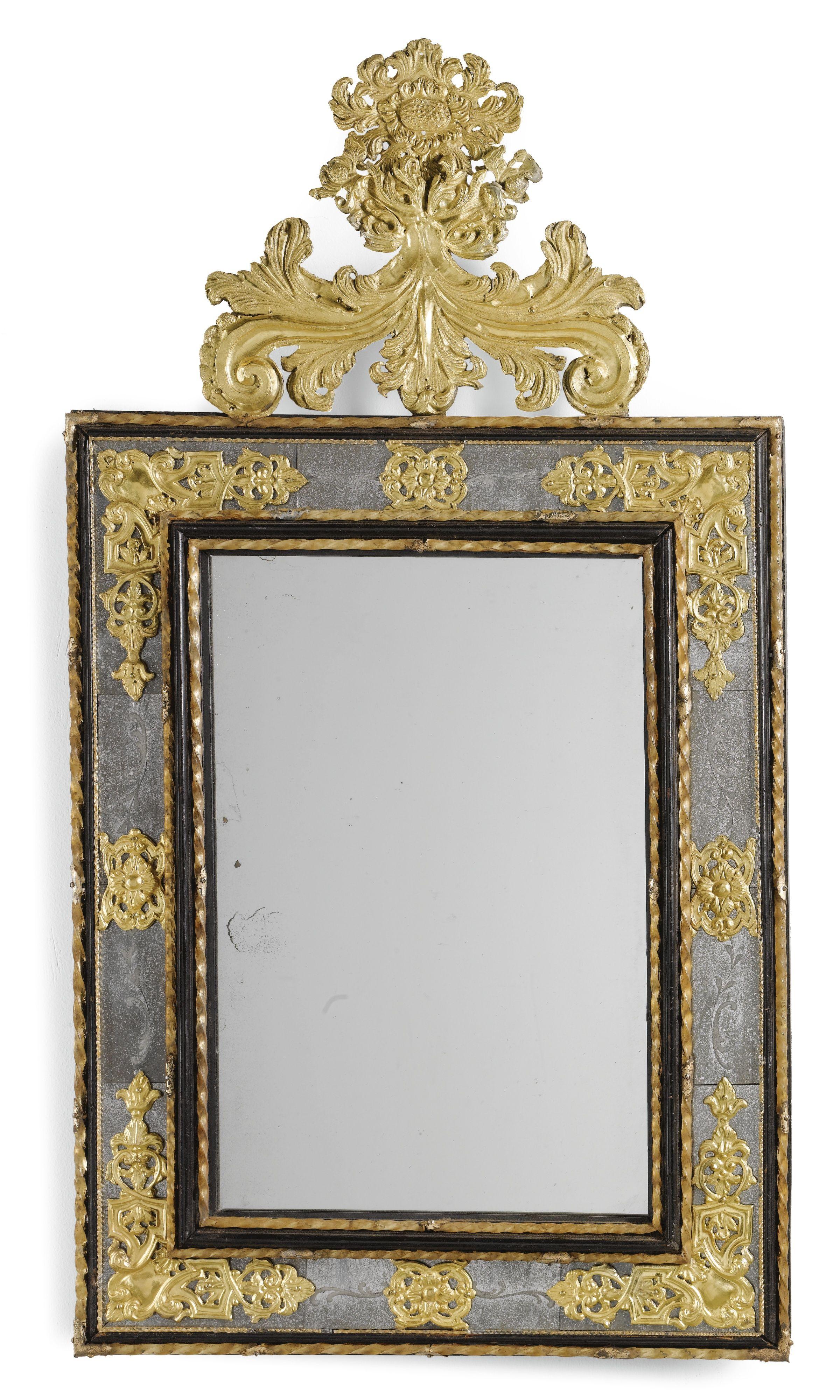 Espejo italiano barroco dorado de metal y cristal montado ebanizado ...