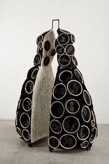miriam medrez vestidos invertidos 2012 2013 textile art pinterest. Black Bedroom Furniture Sets. Home Design Ideas