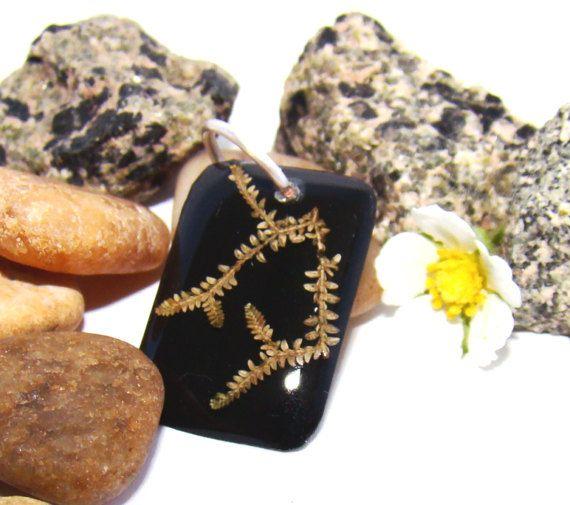 🌹🌿🌼 Bijuterias Feitas a Mão Românticas e feitas especialmente para você: em COBRE, RESINA & PLANTAS - 🍂🍃Joias Botânicas🍃🍂- AlecrimDesign, Minas Gerais, Brasil: www.etsy.com/pt/shop/AlecrimDesign   #joiasbotanicas, #bijuteriascobre, #bijuteriasresina, #ecobijuterias, #copperjewelry, #resinjewelry, #botanyjewelry , #bijuteriafiocobre, #bijuteriasartesanais, #joiasartesanais, #joiasBrasil, #alecrimdesign, #bijuteriasBrasil, #resina, #biojoias, #ecojoias, #joiasdecobre