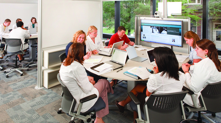 How steelcase redesigned the 21st century college classroom for Redesign office space