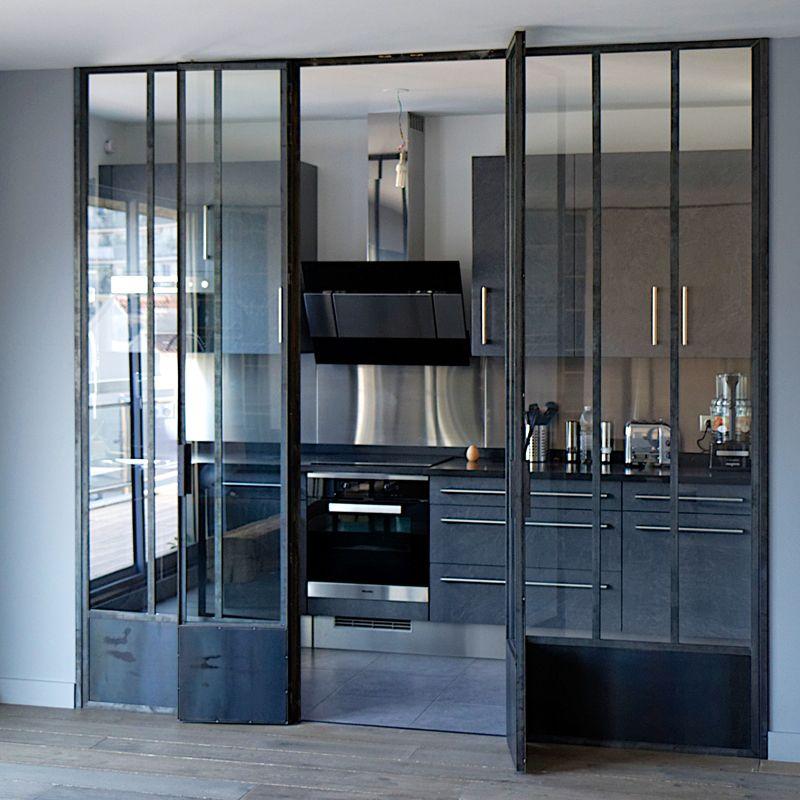 Fenêtre d'atelier avec double porte intégrée | Fenêtres d'atelier ...