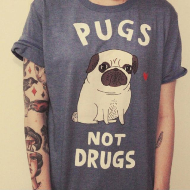 I'm sooo getting a shirt like this! Love! XD