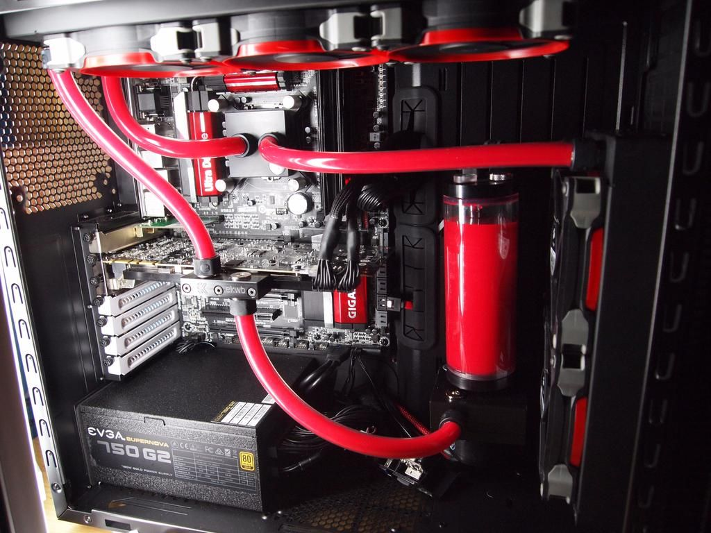 Chris Waldt On Computer Buildbuckeyespc Finished My First Water Cooled