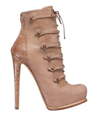 Crystyles Boutique: Dior Fall Boots!!!