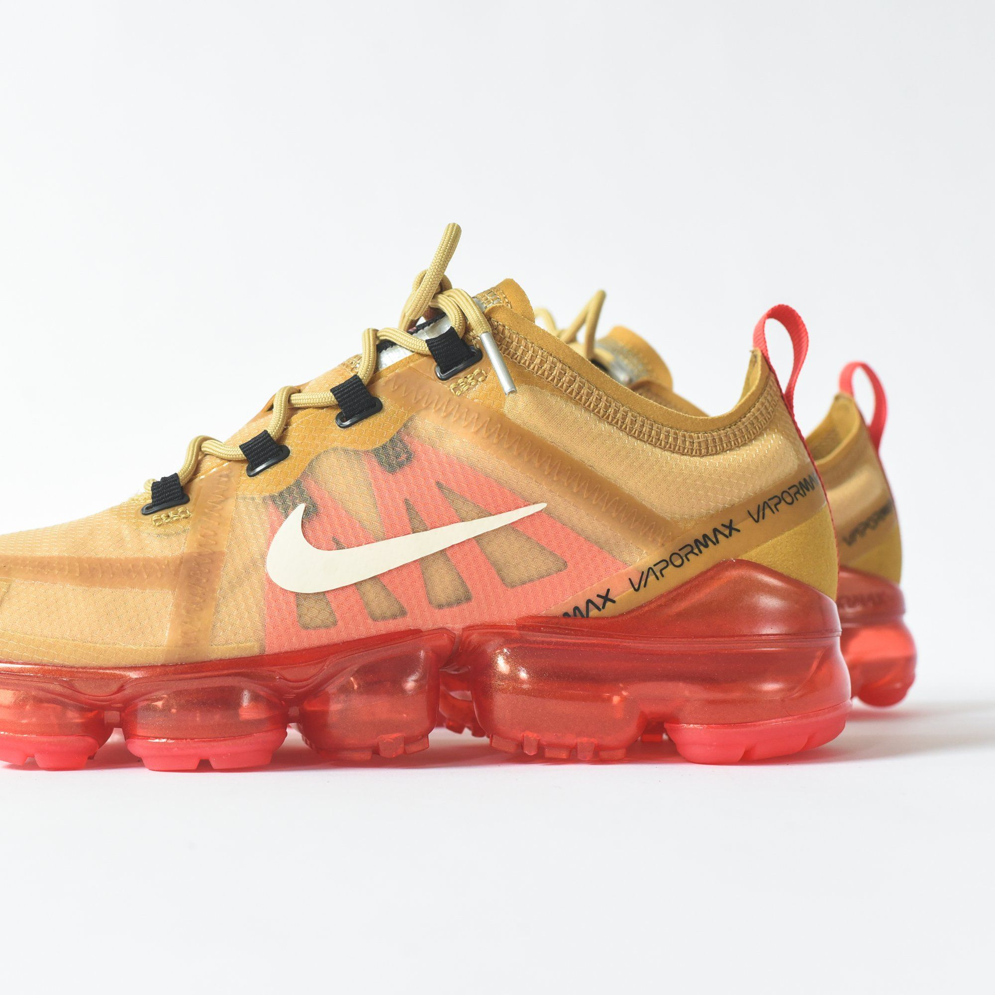 new style 69253 b2382 Nike Air VaporMax 2019 - Club Gold   Light Cream   Ember Glow