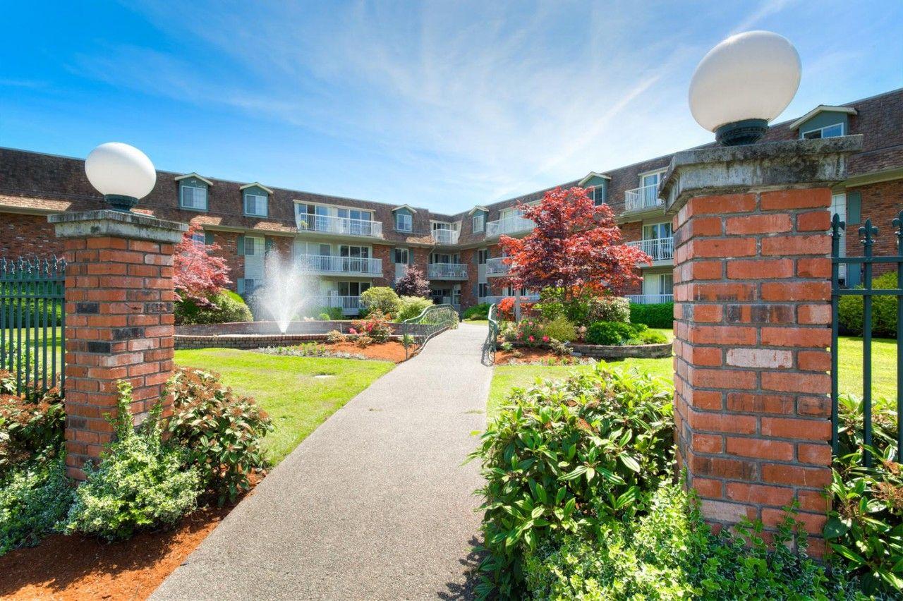 1701 Cedar Hill X Rd Victoria Bc V8p 2p9 Apartment For Rent Padmapper Cedar Hill Victoria House Apartments For Rent