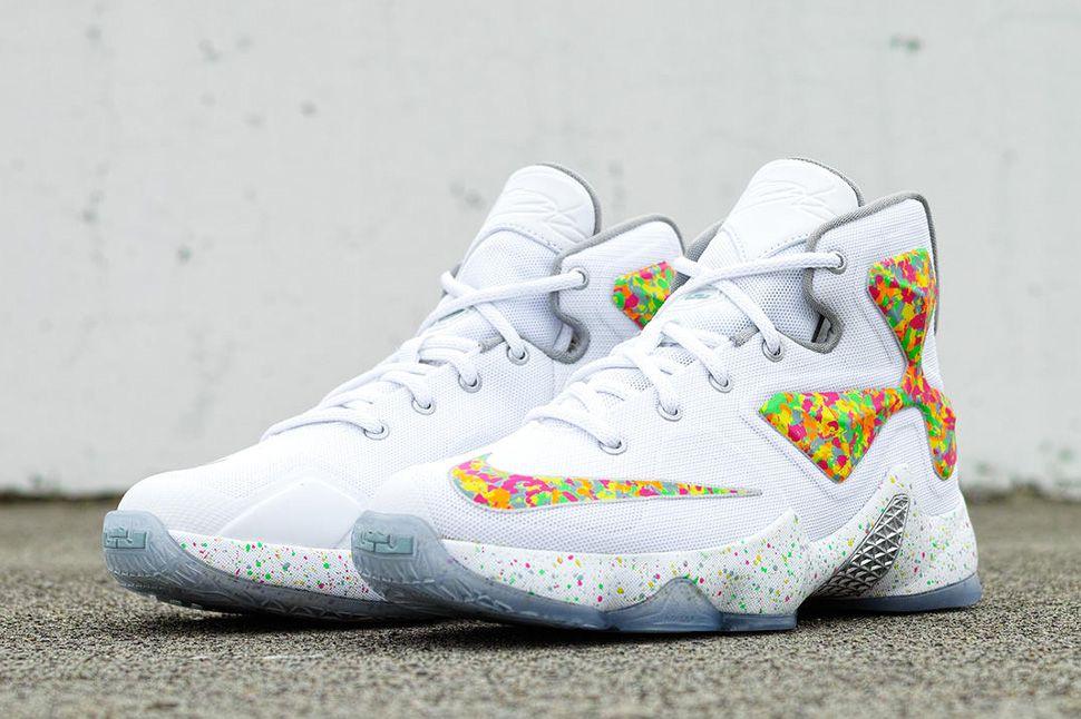 34d875c6ba78 Nike LeBron 13 GS