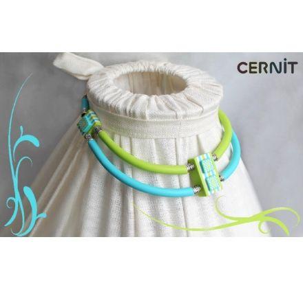 Tuto : Réaliser un collier bicolore, par Cernit