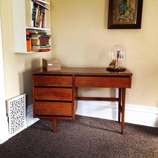 Mid Century Modern 4 Drawer Distinctive Furniture By Stanley Walnut Writing Desk Walnut Writing Desk Furniture Stanley Furniture