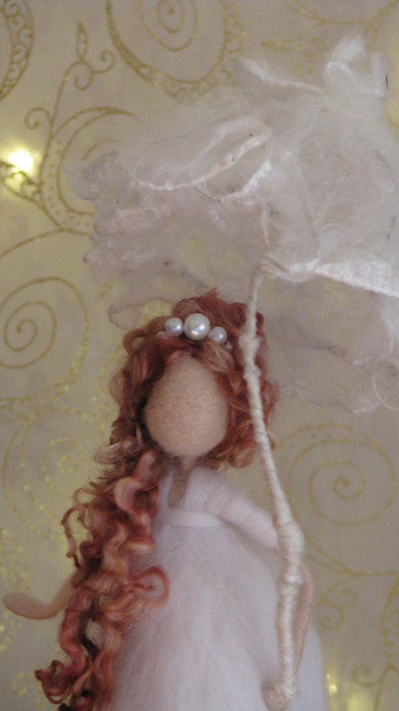Nadel gefilzte Kunst Puppe Fee mit Regenschirm von Made4uByMagic