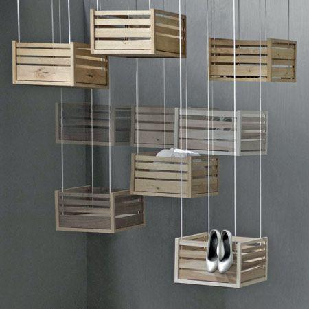 Kisten mal anders aufh ngen interior design - Mobel aus holzkisten ...