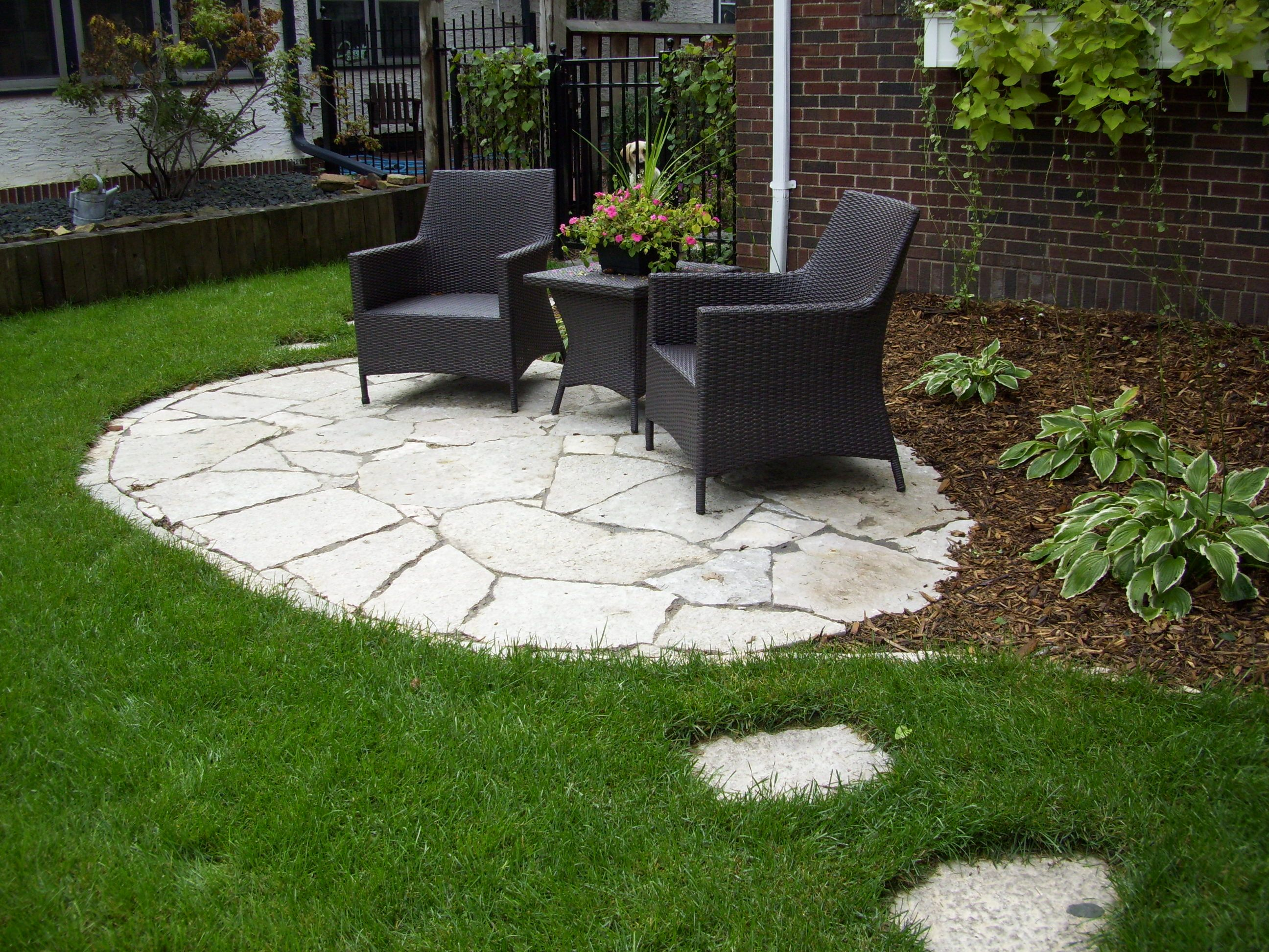 stone front yard patio landscaping gardening ideas
