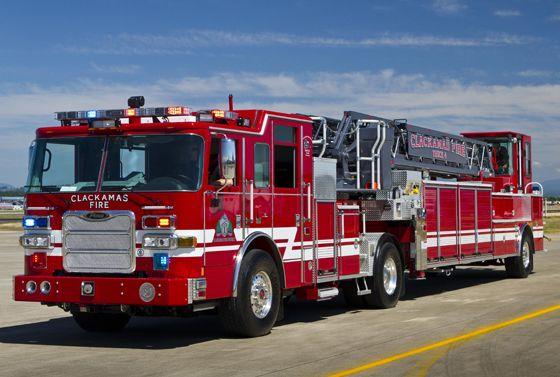 Pierce 100 Foot Heavy Duty Tractor Drawn Aerial Fire Trucks Fire Apparatus Fire Equipment