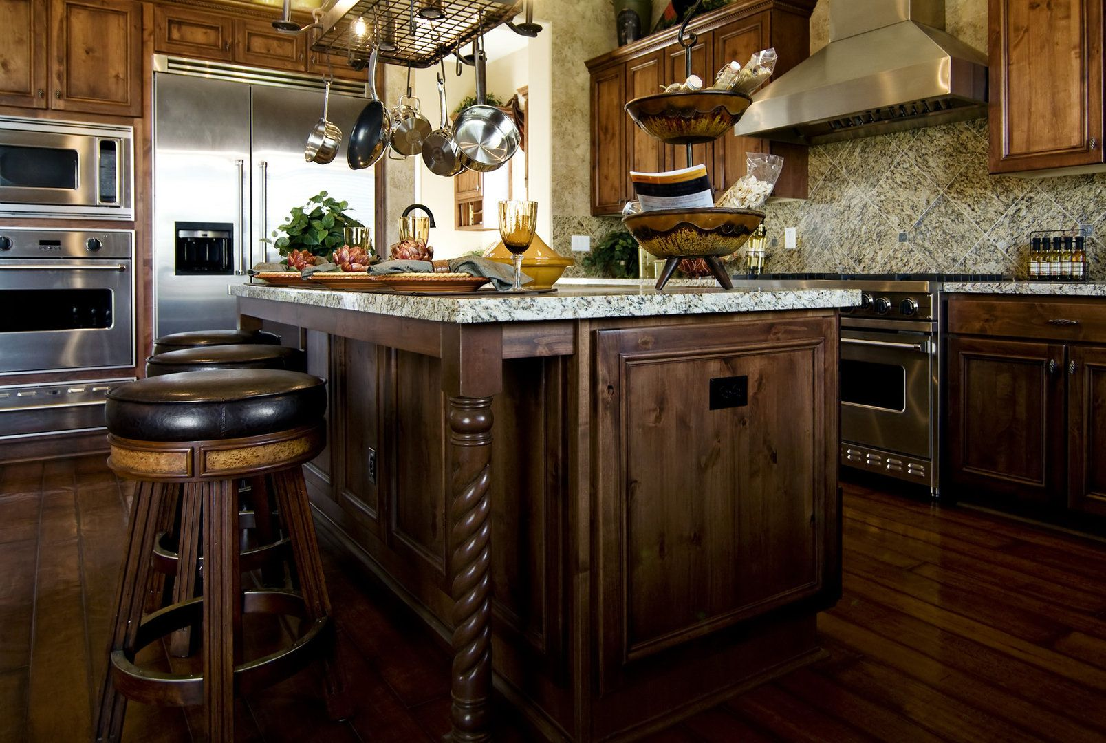 Awesome Kitchen Tips: 2   Wood kitchen cabinets, Rustic ...
