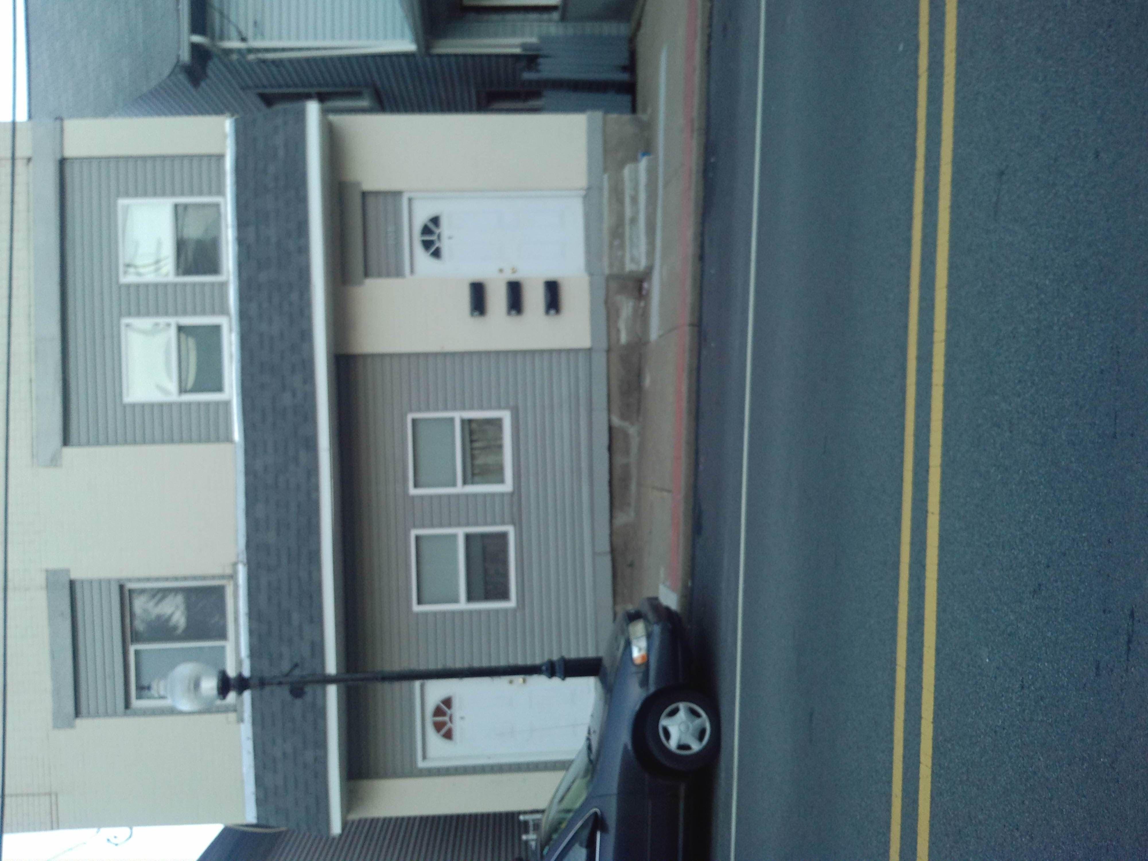 www.mccormick-realestate.com 3 Unit Apartment Building - 401 ...
