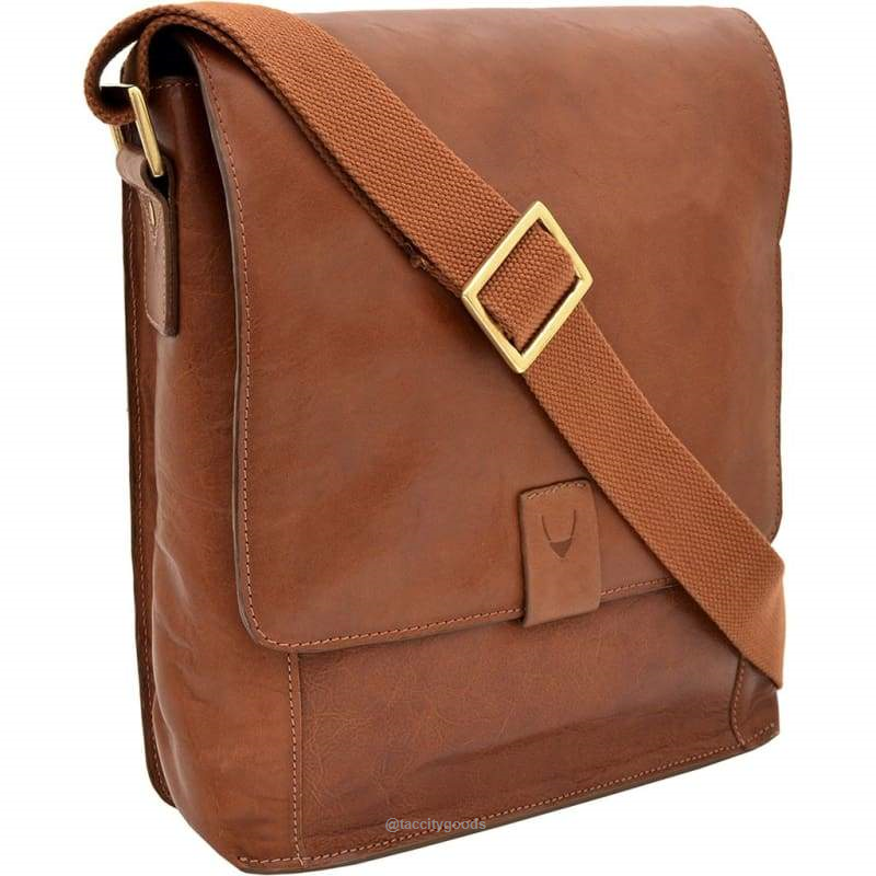 Aiden Medium Crossbody Messenger | Leather crossbody bag