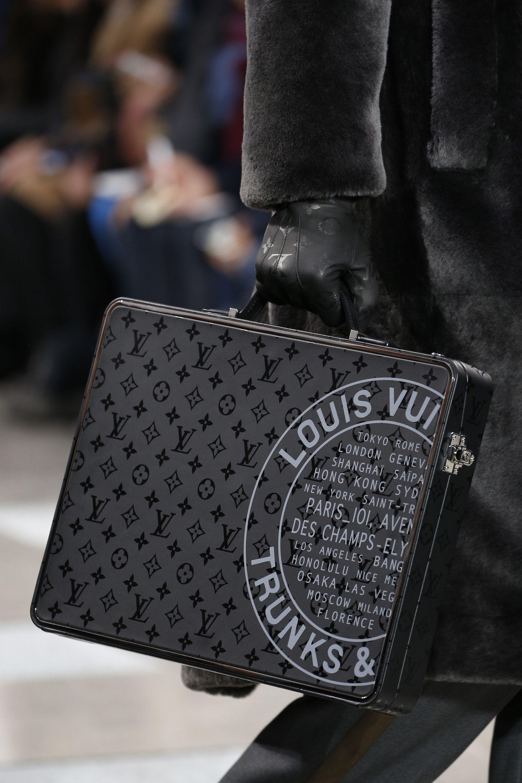 99ac88882f64 Louis Vuitton Fall 2016 Menswear Fashion Show Details