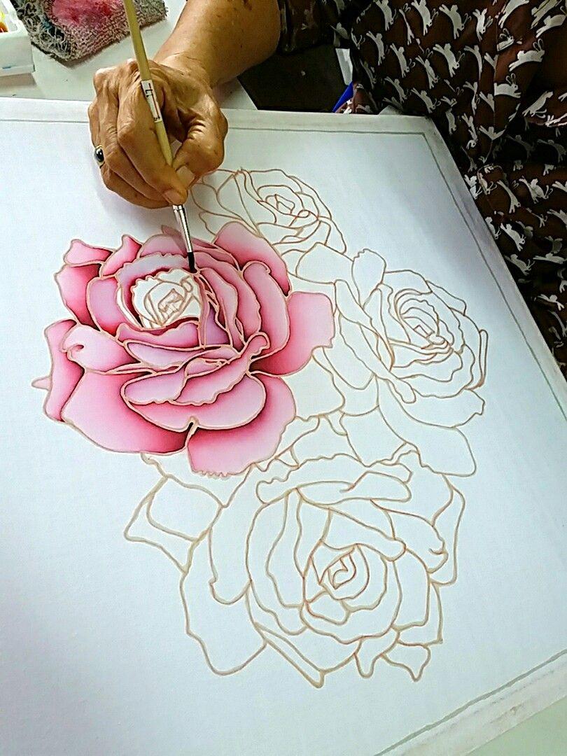 Pin De Claudia Carcano En Pintura Sobre Tela Arte De Batik Panuelos De Seda Pintados Disenos De Pintura En Cristal