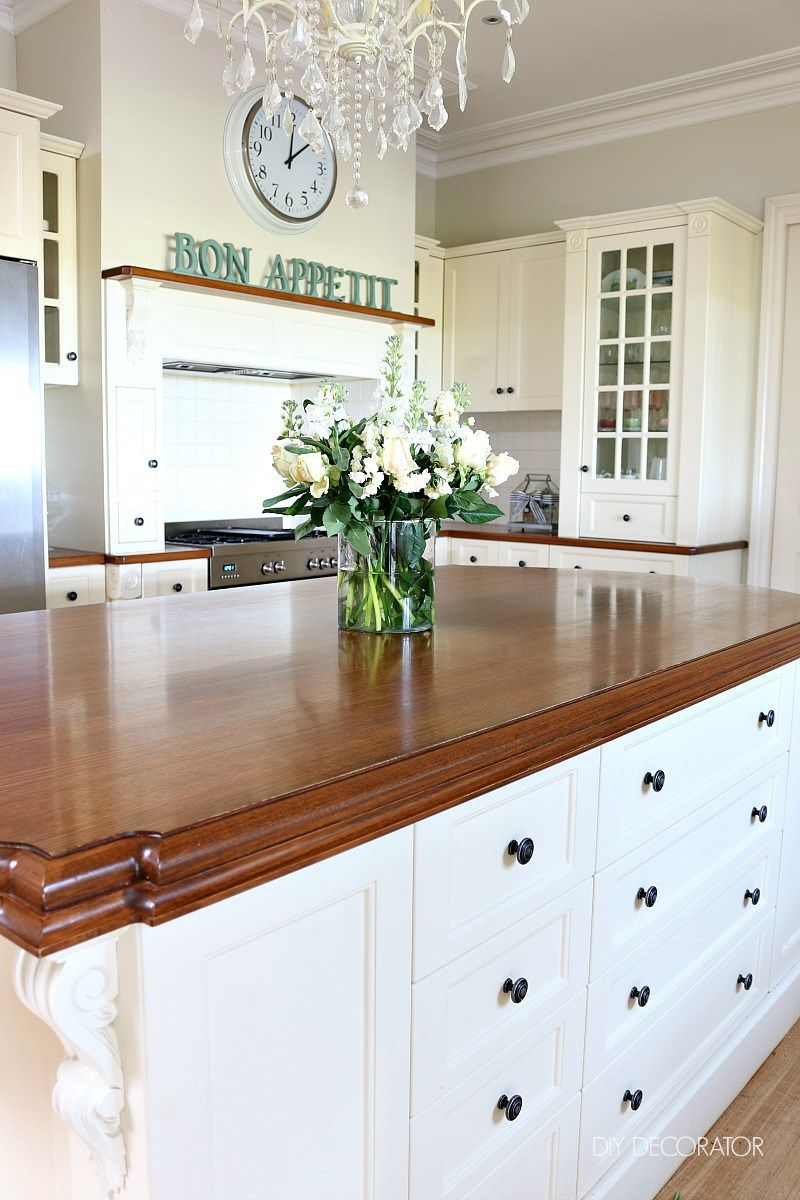 Hamptons Kitchens Secrets To A Clutter Free Kitchen Hamptons Kitchens Diy