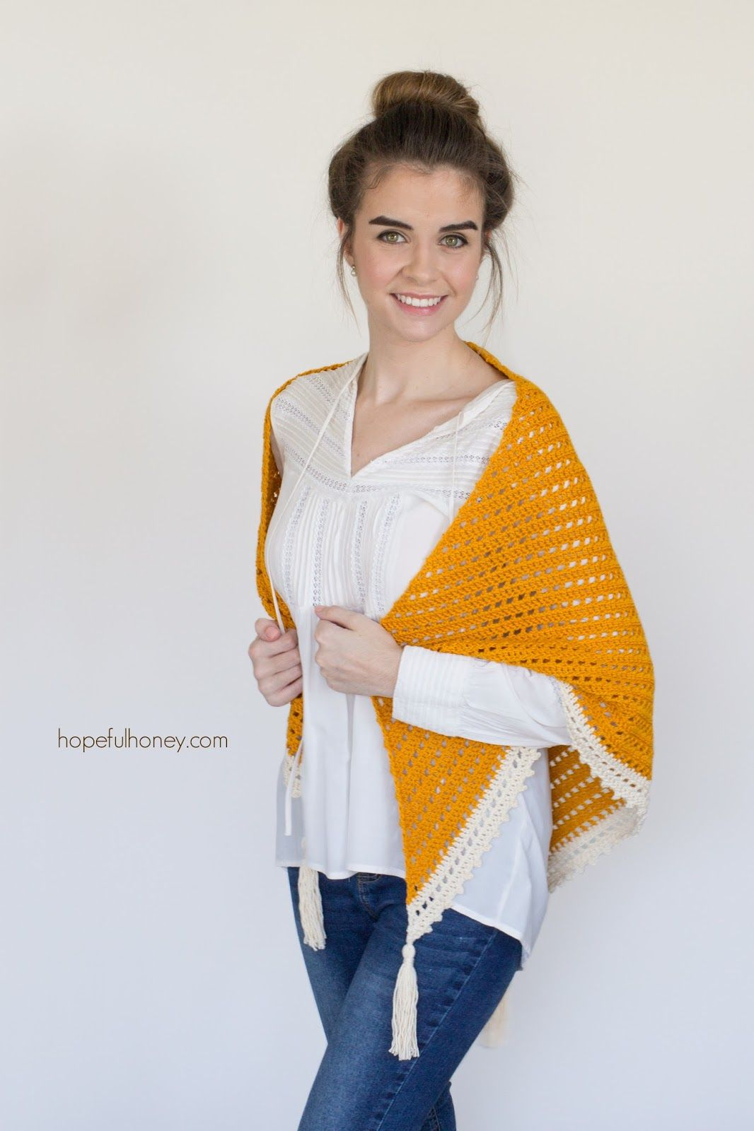 Honey Bird Triangle Scarf - Free Crochet Pattern | Chal y Tejido