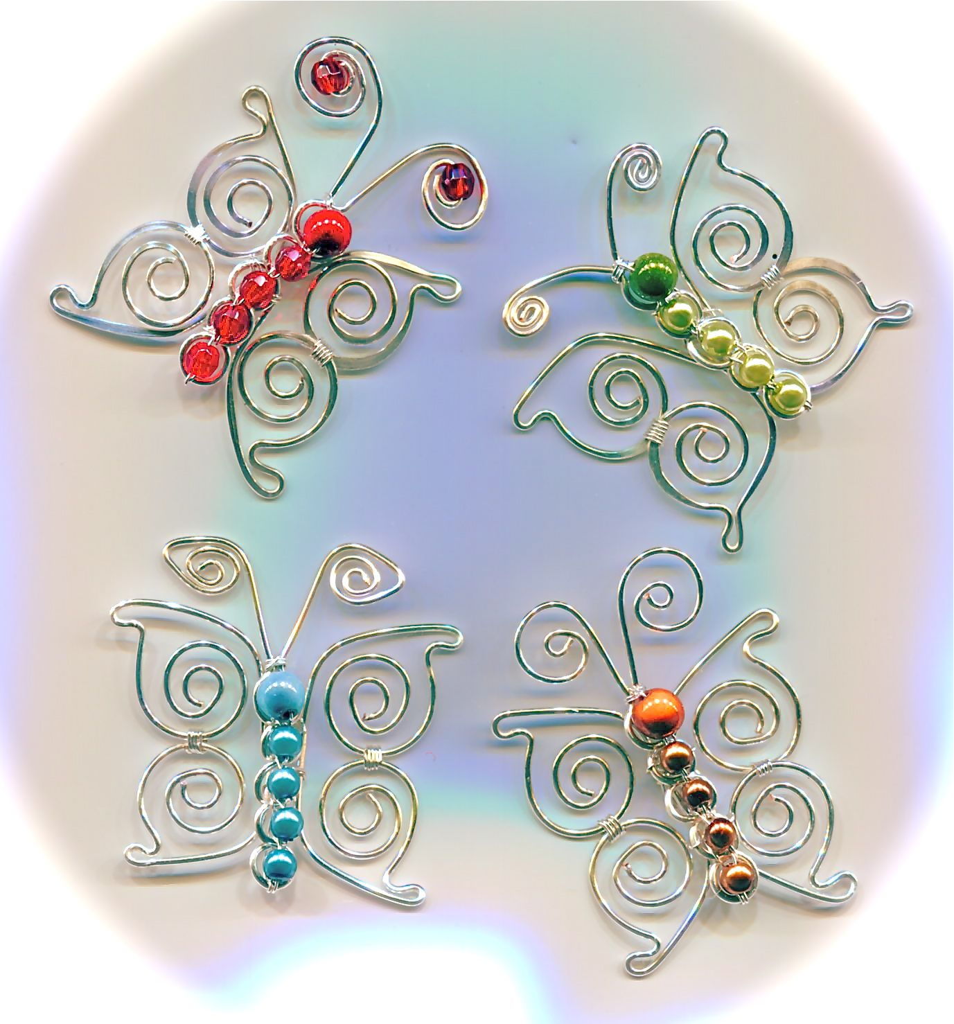 Butterfly Pendant: Wire Wrapping Tutorial / WireWorkers Guild ...