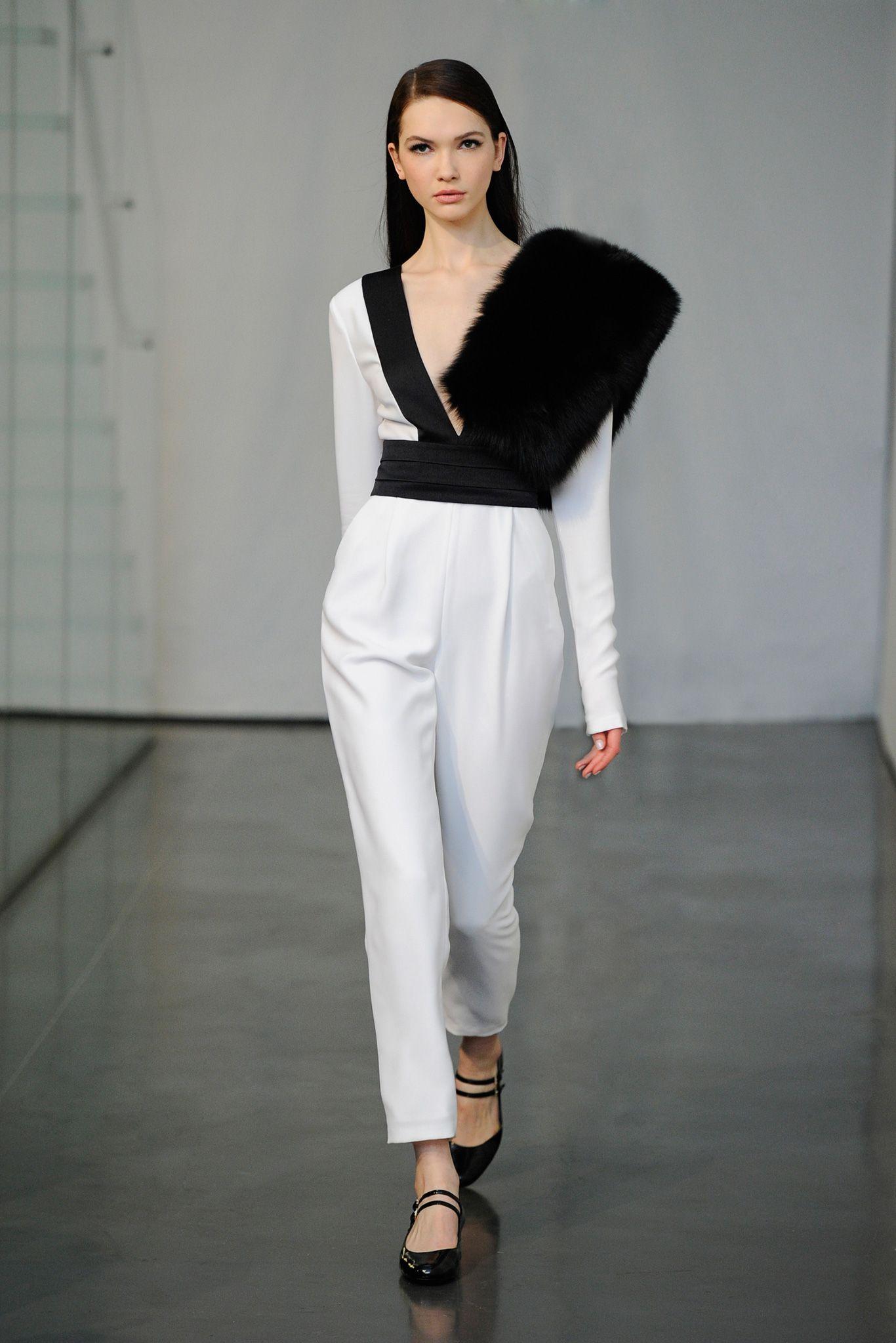 Rachel Zoe - Fall 2015 Ready-to-Wear - #NEB #noiretblancconcept #blackandwhite #fashion #style #designer #nw #fall2015 #fashionweek #runway #models #black #white