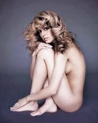 Farra facit nude 12