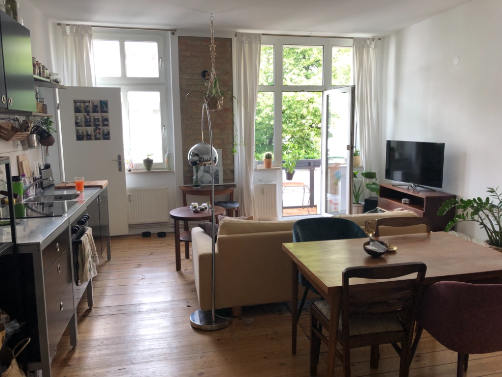 Diese gelungene Wohn- und Esszimmer- Kombi befindet sich in ...