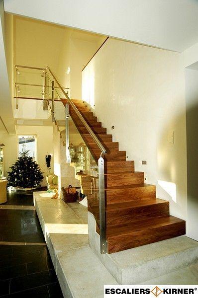 escaliers moderne sur mesure design marche contre marche avec garde corps rampant en verre et. Black Bedroom Furniture Sets. Home Design Ideas