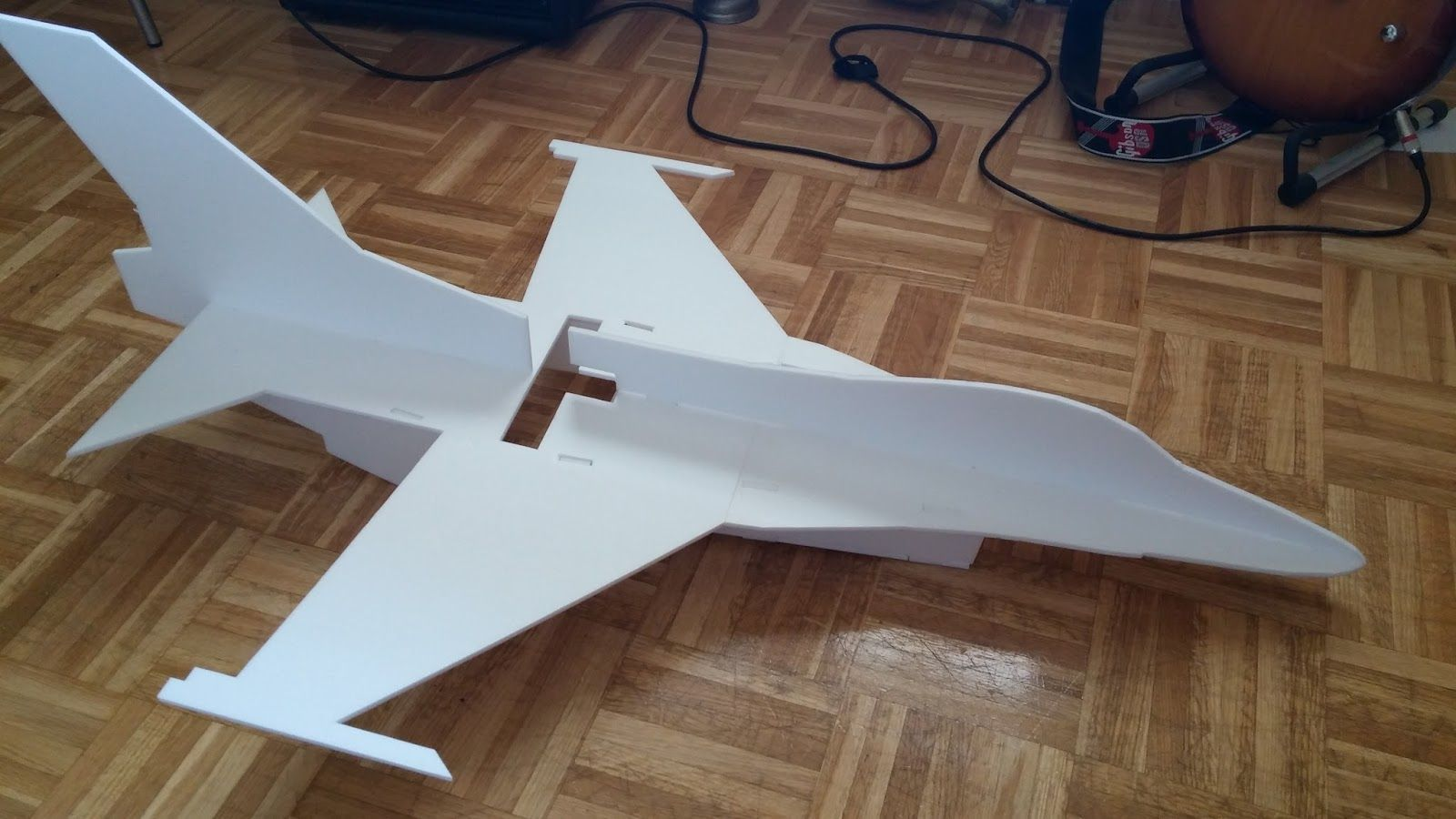 How to Easily Build a Remote Controlled Airplane mODELISMO