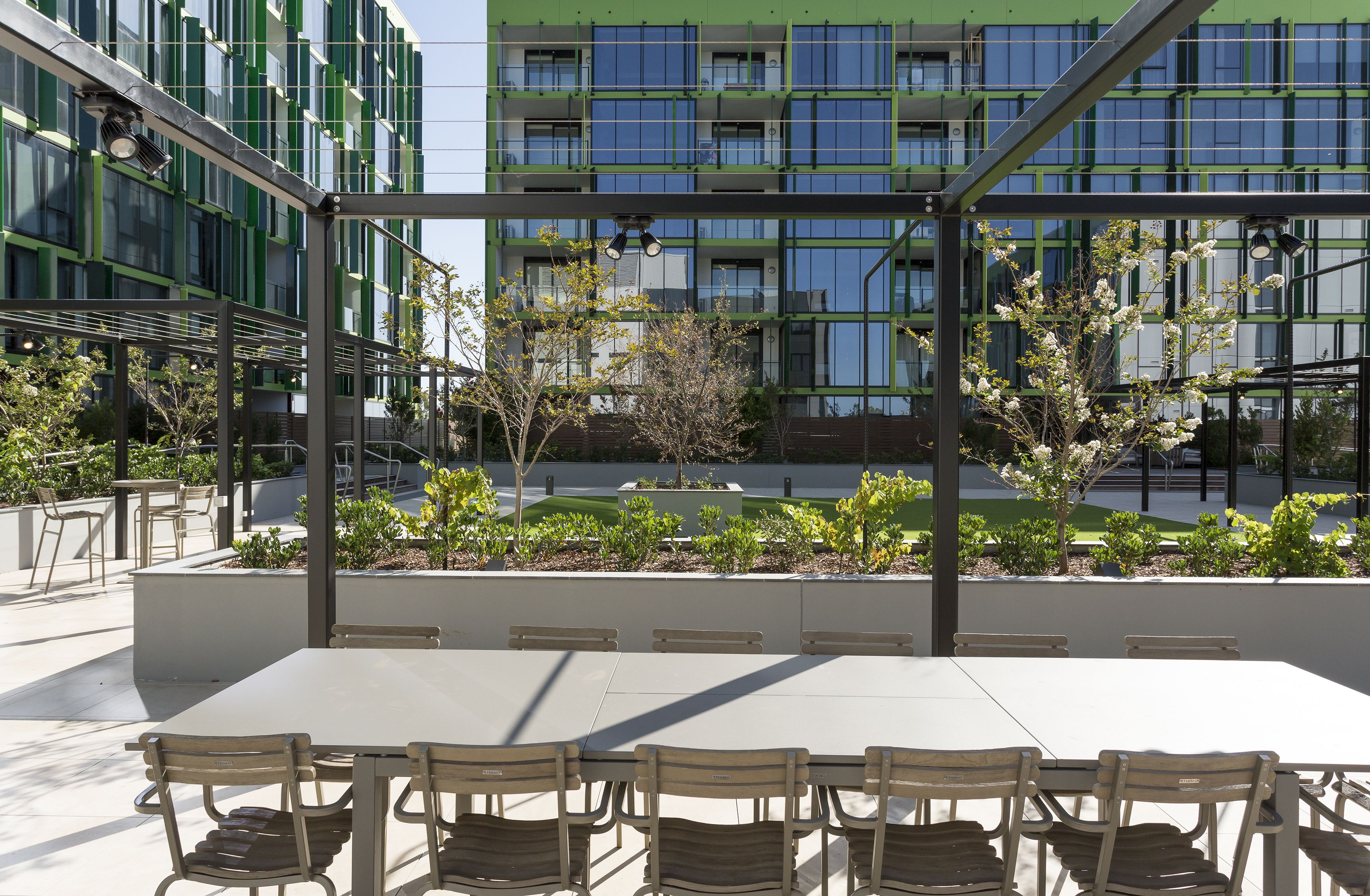 Apartment Court Yard Creating The Perfect Communal Space A Large