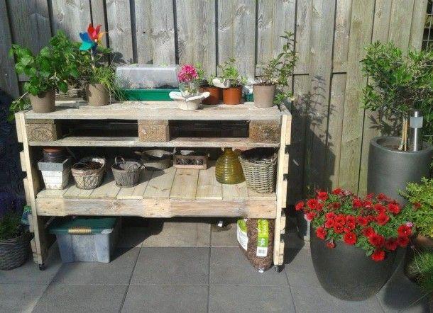 Leuk om zelf te maken tafel gemaakt van 2 oude pallets for Pallet tafel zelf maken